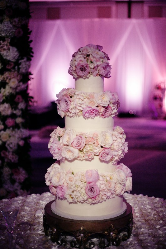 WeddingCakeFlowersBI6