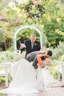 Arthur-Murray-wedding-kiss