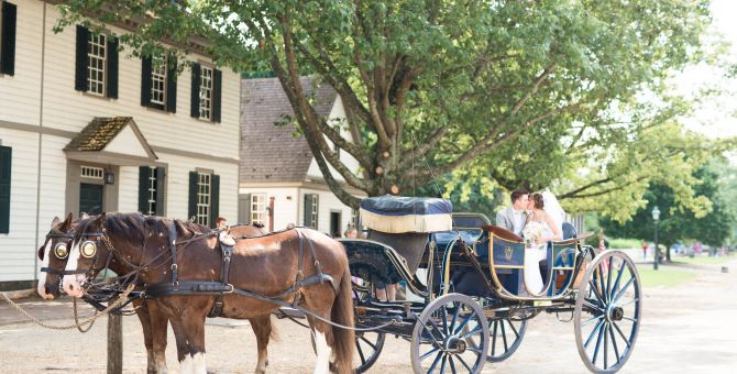 CW-horse-drawn-carriage