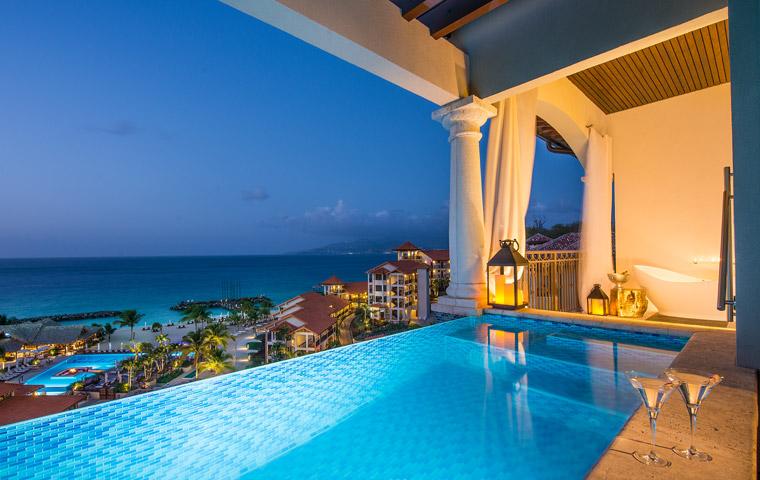 sky-pool-suite