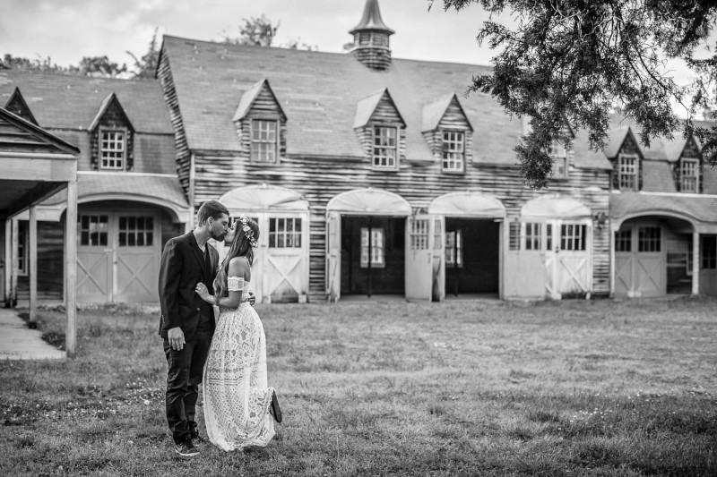 Skylar-Wyatt-Bride_groom-barn